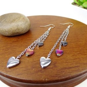 💕Hearts and Chains Silvertone Hook Earrings